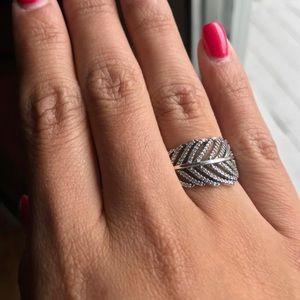 Unworn Beautiful Feather Pandora Ring